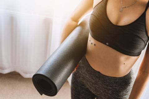 How CBD Oil Improves Yoga Practice